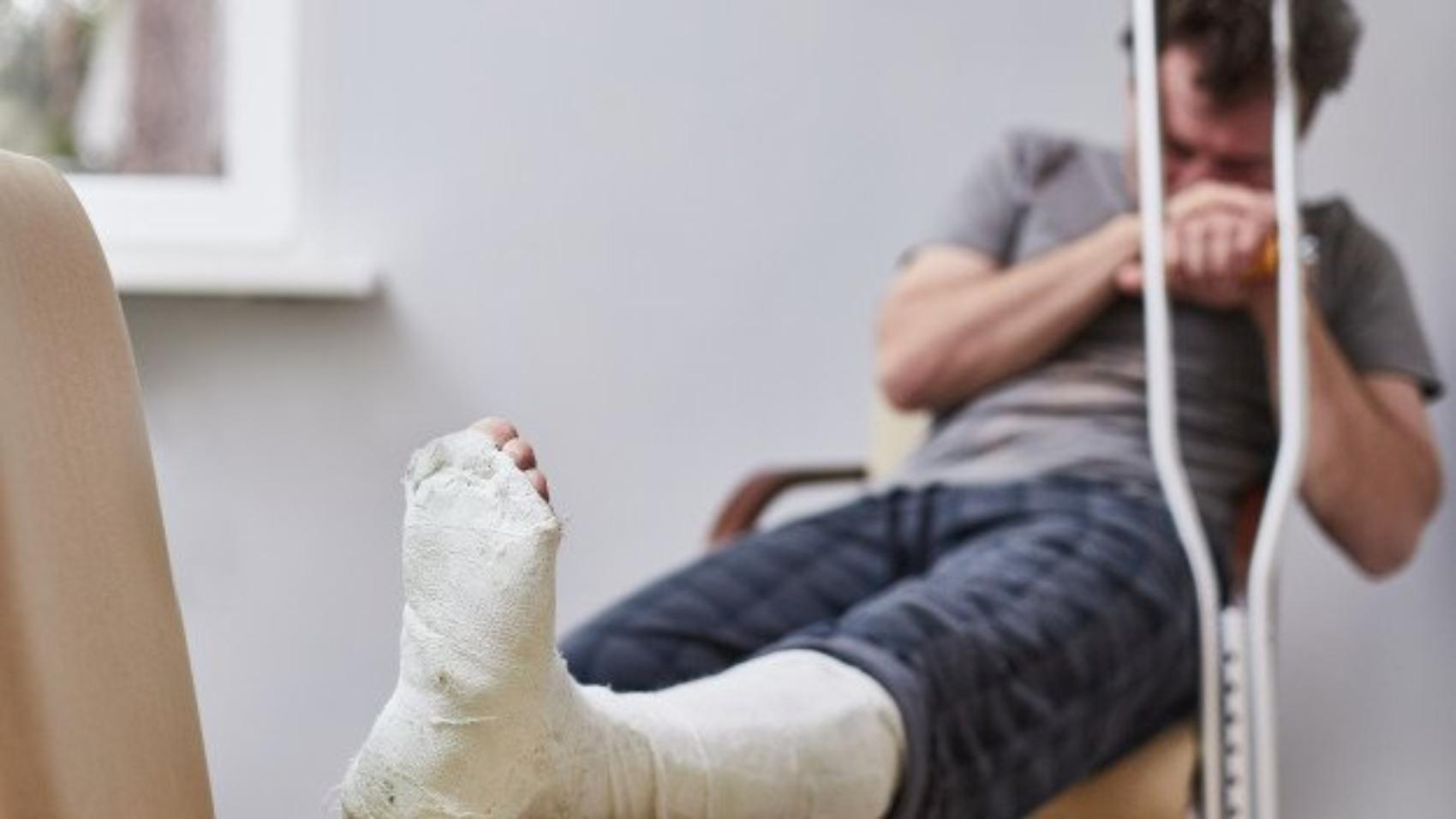 pensando-perna-quebrada
